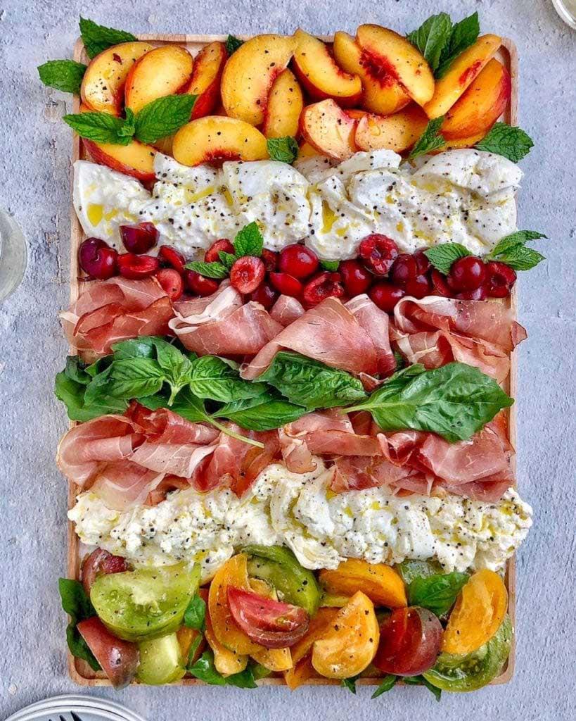 burrata and peaches appetizer